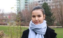 Uyghur Woman Urges French President to Free Her Mother Persecuted in China