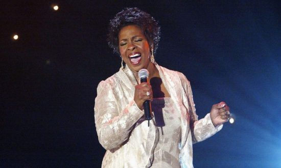Gladys Knight performs at 'Motown 45' Anniversary Celebration Show held at the Shrine Auditorium, Los Angeles, Calif., April 4, 2004. (Frazer Harrison/Getty Images)