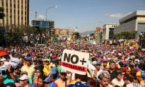 Venezuelan Opposition Continues to Gather Momentum