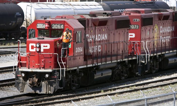 Canadian Pacific Railway locomotives are shuffled around a marshalling yard in Calgary, on May 16, 2012. (The Canadian Press/Jeff McIntosh)