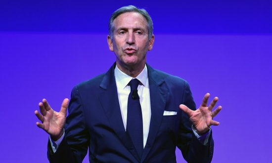 Starbucks' then-Executive Chairman Howard Schultz in Milan, Italy, on May 7, 2018. (MIGUEL MEDINA / AFP)
