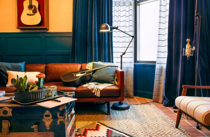 Hutton_Hotel_West_Studio