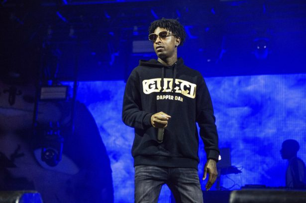 21 savage wearing sweatshirt