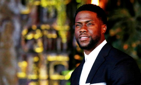 "Cast member Kevin Hart poses at the premiere for ""Jumanji: Welcome to the Jungle"" in Los Angeles, California, U.S., Dec. 11, 2017. (Mario Anzuoni/Reuters)"