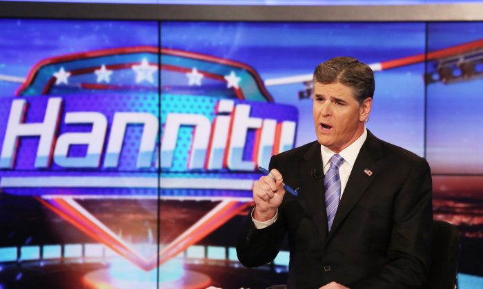 """Host Sean Hannity on set of FOX's """"Hannity With Sean Hannity"""" at FOX Studios on Apr. 21, 2014 in New York City. (Paul Zimmerman/Getty Images)"""