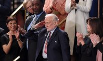 Buzz Aldrin Salutes President Trump After Being Honored at SOTU