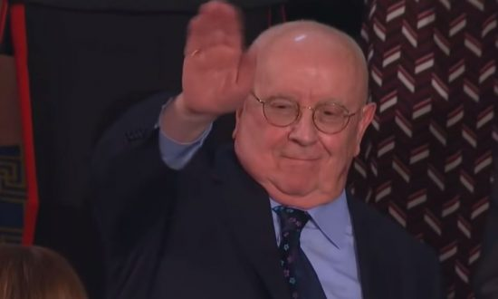 Judah Samet waving to everyone at Congress during the State of the Union on Feb. 6, 2019. (Screenshot/CNN)