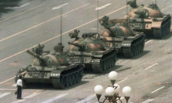 5 Iconic Photos That Speak For Themselves. The Man In The Last Image Has Been 'Immortalized'