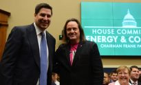 T-Mobile CEO John Legere Defends Sprint Deal in Congress
