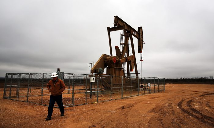 An oil well in the Permian Basin in Garden City, Texas, on Feb. 5, 2015. (Spencer Platt/Getty Images)