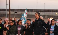 Beto O'Rourke Says He'd 'Absolutely' Tear Down Border Wall in El Paso