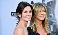 Plane With Jennifer Aniston, Courteney Cox and Friends Makes Emergency Landing