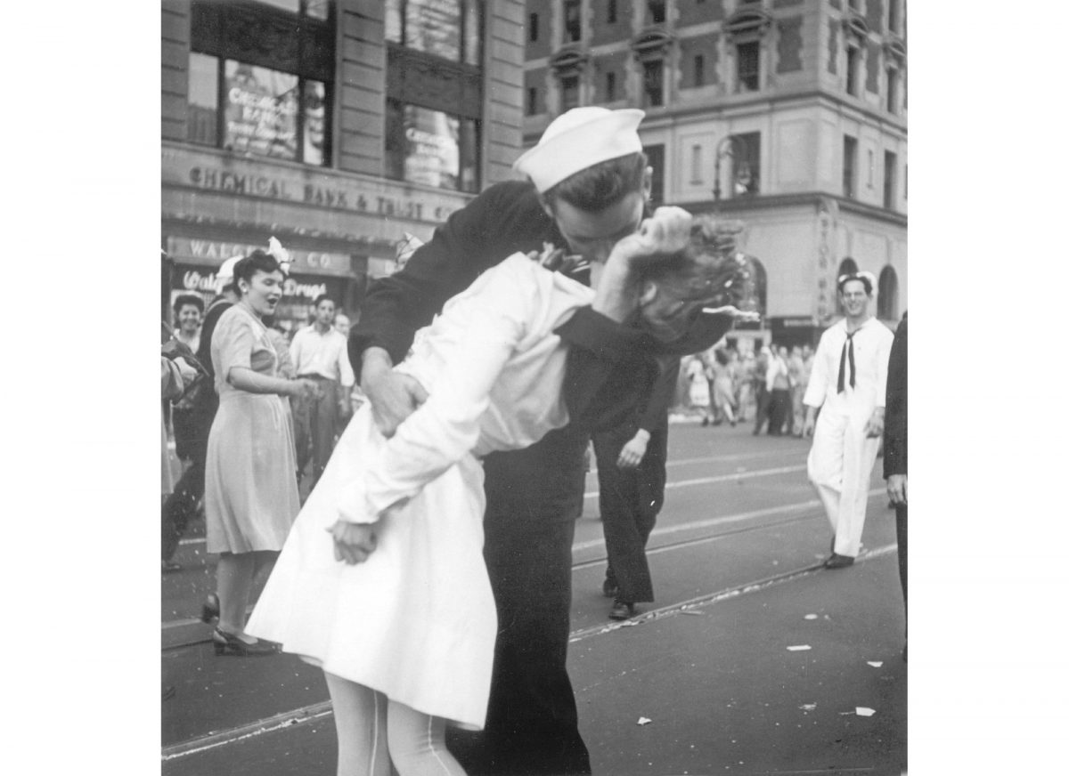 A sailor and a woman kiss in New York's Times Square