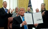 Trump Signs Directive in Move to Create a Space Force