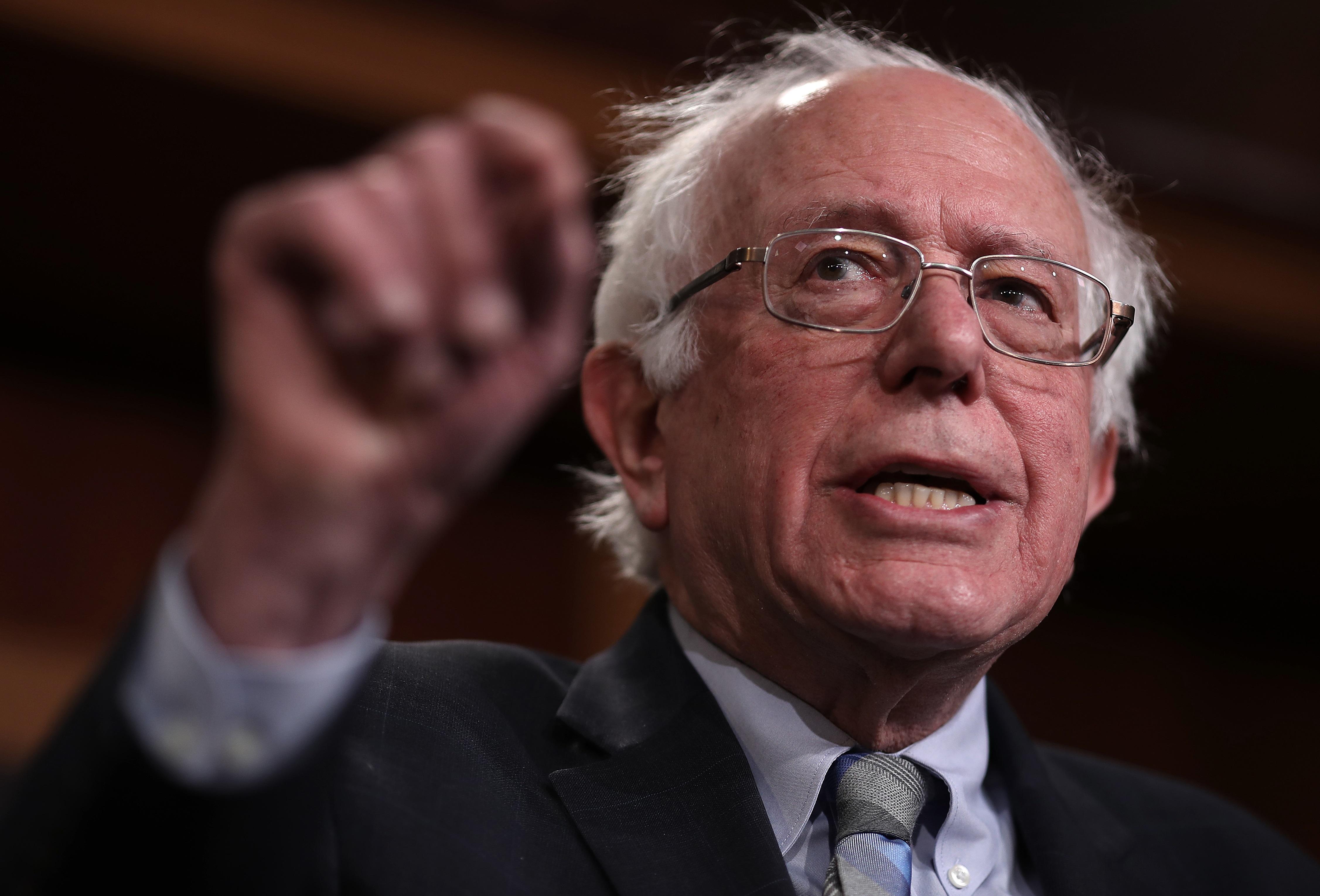 Socialist Sen. Bernie Sanders Refuses to Call for Venezuela's Nicolás Maduro to Step Down