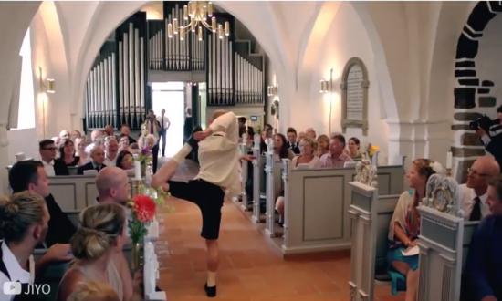 Fun Wedding Flash Mob!