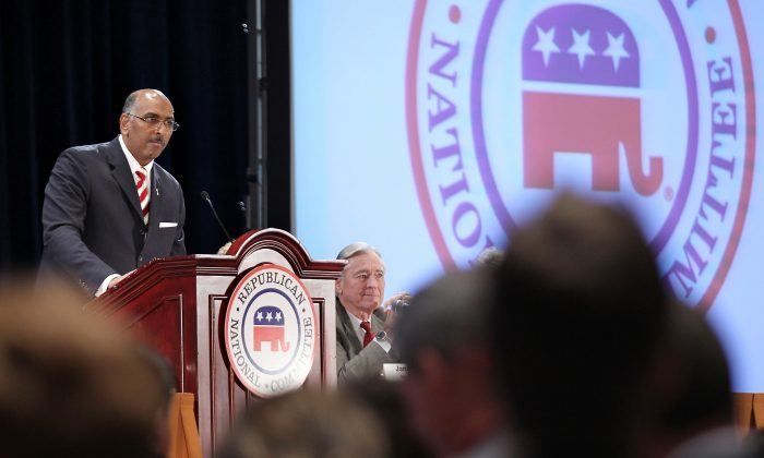 Incumbent Republican National Committee Chairman Michael Steele (L) speaks during a session of the RNC Winter Meeting January 14, 2011 in National Harbor, Maryland. Alex Wong/Getty Images
