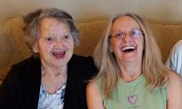 88-Year-Old Mom Reunites with Daughter She Thought Had Died During Childbirth 69 Years Ago