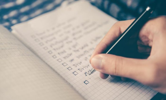"Your heart doesn't really care what you write down when you make a ""perfect partner"" checklist. (Glenn Carstens-Peters/Unsplash)"