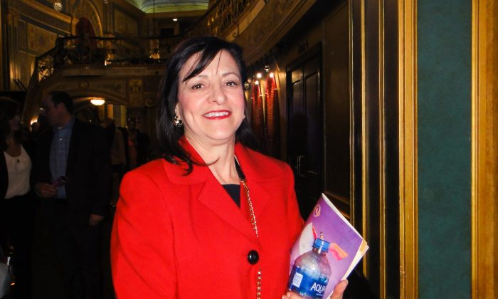 Physician Feels Energy Exuding From Shen Yun Dancers