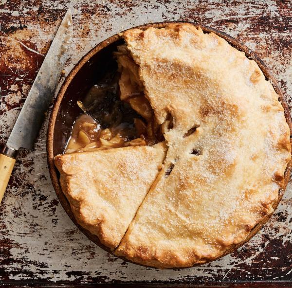 Apple pie with lard crust