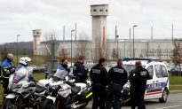 French Police Shoot Pregnant Partner of Jihadi Inmate After Guards Stabbed