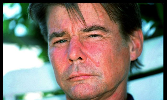 Jan-Michael Vincent, of 'Airwolf' Fame, Dies at 74: Report