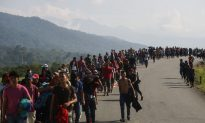 New Group of Almost 400 Migrants Arrives South of US Border