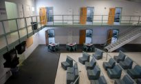 Mumps, Other Outbreaks Force US Detention Centers to Quarantine More Than 2,000 Illegal Aliens