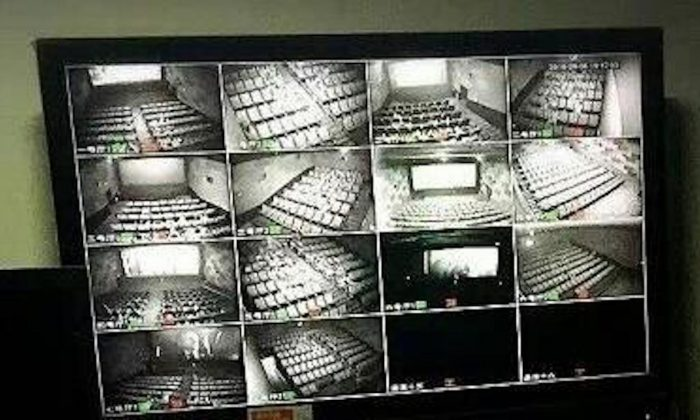 As early as 2017, surveillance cameras were installed inside theaters in Shenzhen and other places in China. Public security can use the facial recognition system thousands of miles away to monitor the audience in the cinema. (Web image)