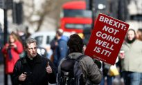 British Lawmakers Vote to Delay Brexit
