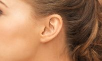 8 Things Your Ears Reveal About Your Health–What Do Earlobe Creases, Too Much Ear Wax Mean?