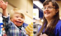Toddler with Down Syndrome Visits Kroger to Meet Employee with 'Chromie Connection'