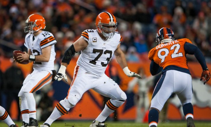 Retired NFL Great Joe Thomas Shows Weight-Loss Transformation