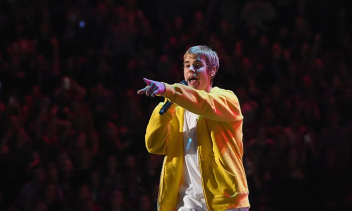Musician Justin Bieber performs onstage during Z100's Jingle Ball 2016 at Madison Square Garden in New York, New York , on Dec. 9, 2016.  (Nicholas Hunt/Getty Images for iHeart)