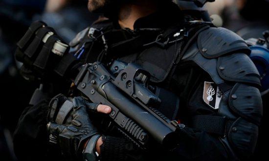 Judge Blocks Gun Ban in Chicago Suburb