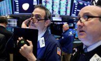 Tech, Energy Shares Prop up Wall Street