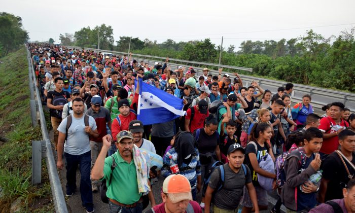 Some 700 Cubans have joined the migrant caravan as it makes its way north toward the United States, in Tuzantan, Chiapas State, Mexico, on March 25, 2019. (Jose Torres/Reuters)