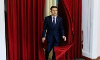 Comedian Set to Win First Round of Ukraine Presidential Vote