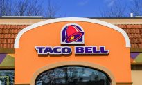 Taco Bell Employee Pays for Homeless Man's Dinner Out of His Own Pocket