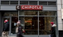 Chipotle, Panera Turn to Drive-Thrus as Fast-Food Stigma Fades