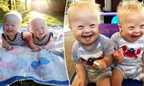 Joy-Filled Twins With Down Syndrome Are Inspiring the World on Social Media