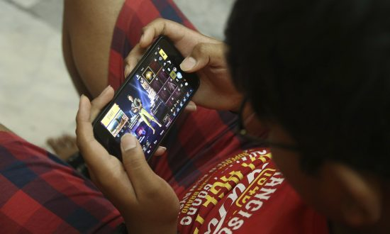 Boy's Suicide Weighs on Ban of Popular Online Video Game in India