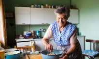 What We Can Learn From Our Parents and Grandparents in the Kitchen