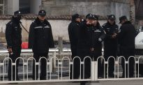 Chinese Regime Tightens Control on Lawyers