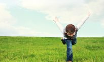 Why Getting Outside and Doing New Things Makes Your Kids Happy