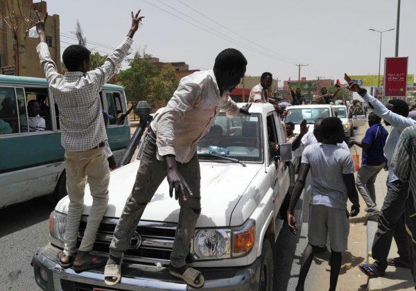 Sudanese want 'immediate' move to civilian rule