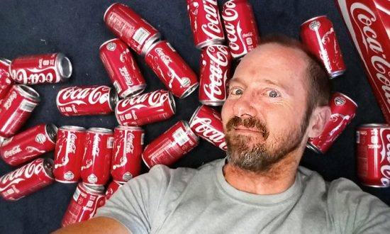 A Man's CRAZY Coke Experiment–What Happened to His Body After Drinking 10 Cokes a Day for a Month?