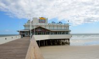 Waitress Breaks Foot Jumping Off Daytona Pier to Rescue Boy She Spotted From Restaurant