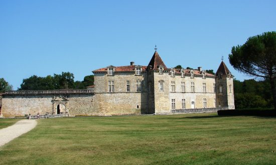 Dining in King Henry IV's Castle: Chateau Royal de Cazeneuve